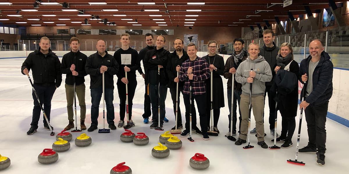 Makeable spiller curling
